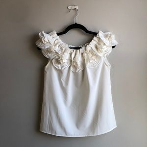 Gracia Collared Shirt/blouse with fanning flowers